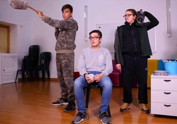 '¿Y tú qué miras?', el nuevo corto de la Fundación Olivares