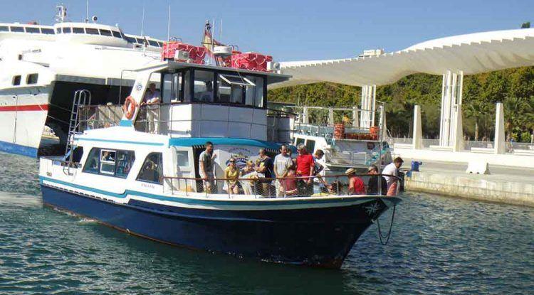 Paseo en barco con niños por la Bahía de Málaga