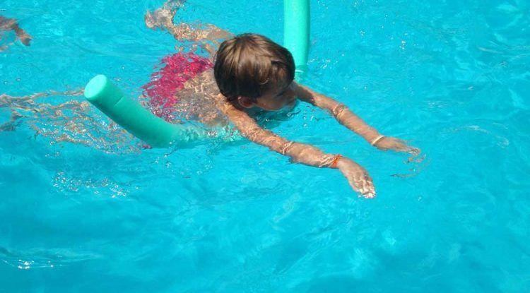 Clases de natación a domicilio para niños y adultos en Málaga con SportisLive