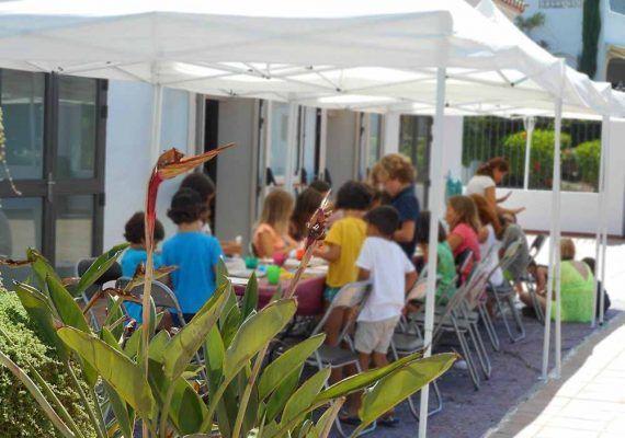 Talleres gratis de pintura para niños al aire libre este agosto en el Museo Ralli Marbella