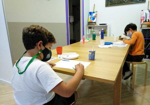Campamento de Navidad sobre arte para niños en Artenanos (Torremolinos)
