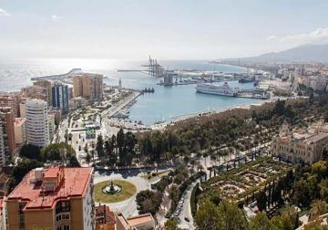 Tour privado por Málaga para niños y adultos con visita a monumentos emblemáticos