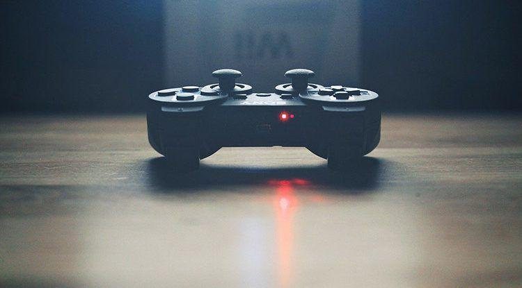 Taller online o presencial para jóvenes sobre creación de videojuegos con los programas Unity y Blender
