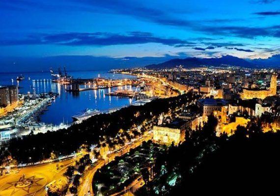 Free Tour por Málaga de Noche para hacer con niños