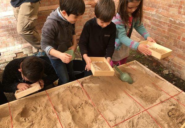 Taller infantil de arqueología en La Térmica, Málaga