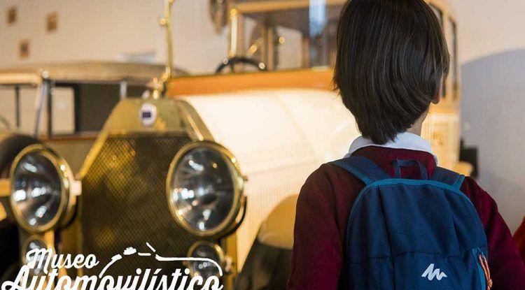 Visita en familia el Museo Automovilístico de Málaga y escucha el motor de algunos de sus coches