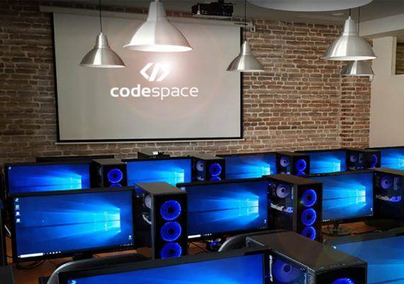 Cursos intensivos de ciberseguridad en Málaga para adolescentes con la escuela Code Space